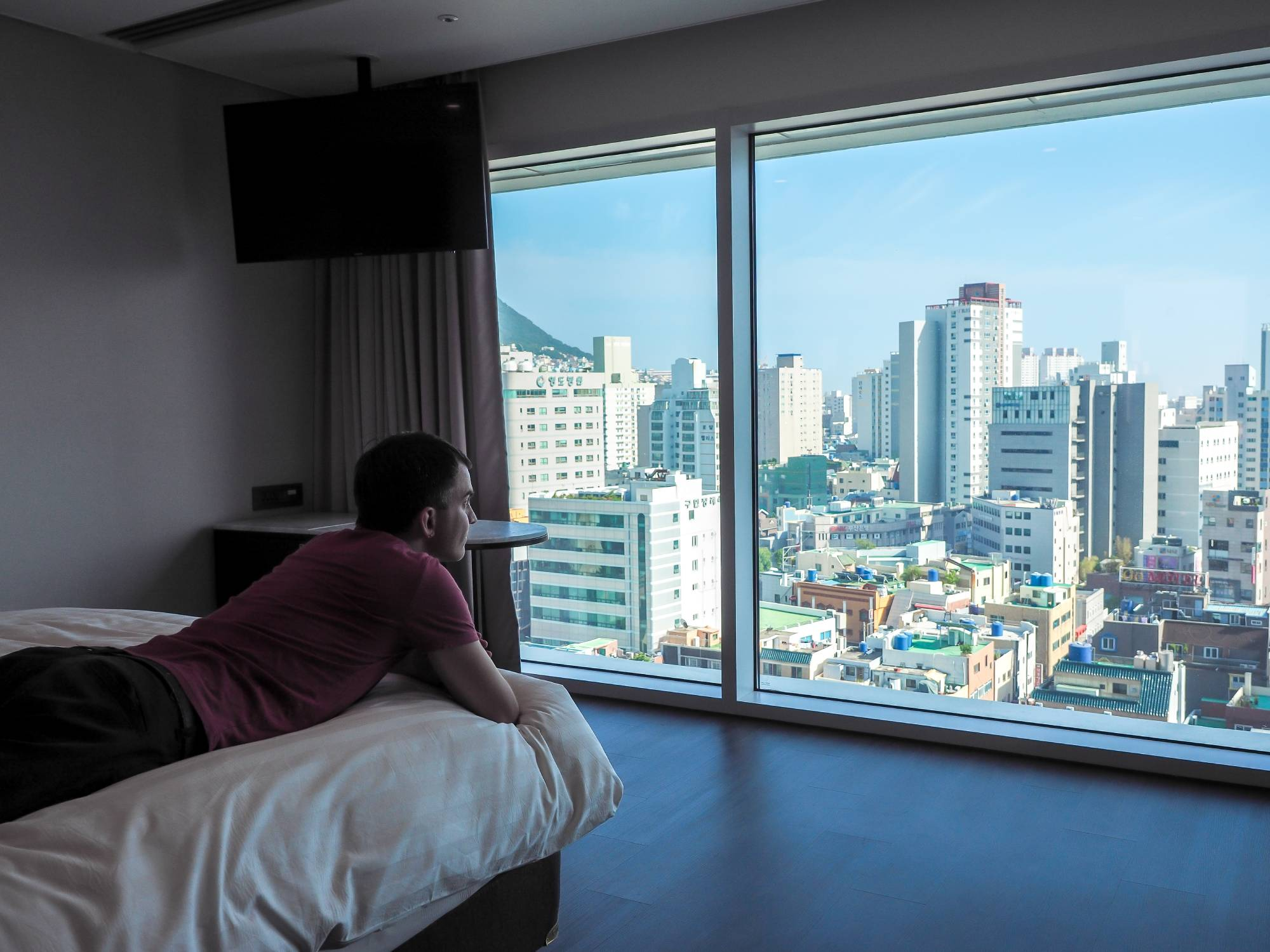 I couldn't get enough of the view.(Busan Hotel city view)